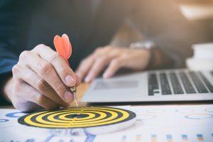 <a href='https://www.freepik.es/foto-gratis/objetivos-de-exito-de-la-estrategia-de-negocio_1211528.htm'>Photo de Fondo creado por ijeab</a>